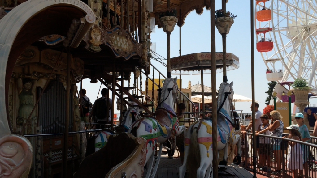 ... und drehen Runde um Runde auf Ponys und in Kutschen