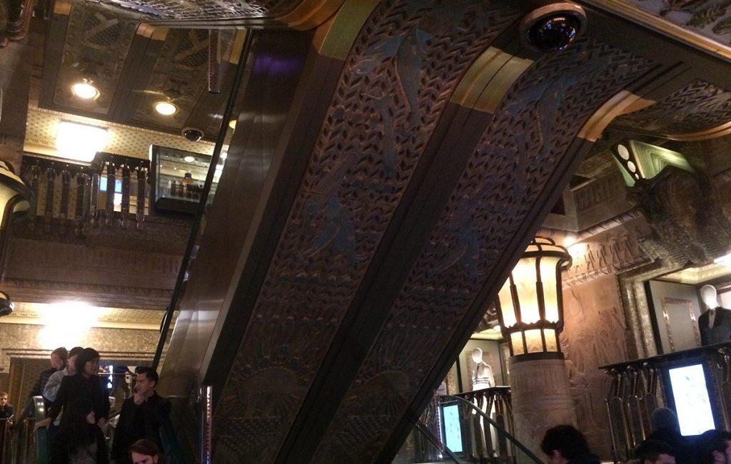 Das berühmte ägyptische große Treppenhaus (es gibt noch ein anderes, modernes, völlig unspektakuläres - nicht vertun!).