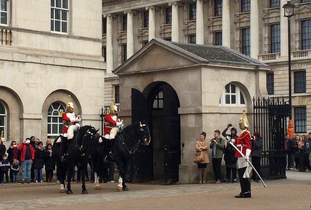 Sie lassen sich niemals aus der Ruhe bringen: Die Wachen der Royal Horse Guards.
