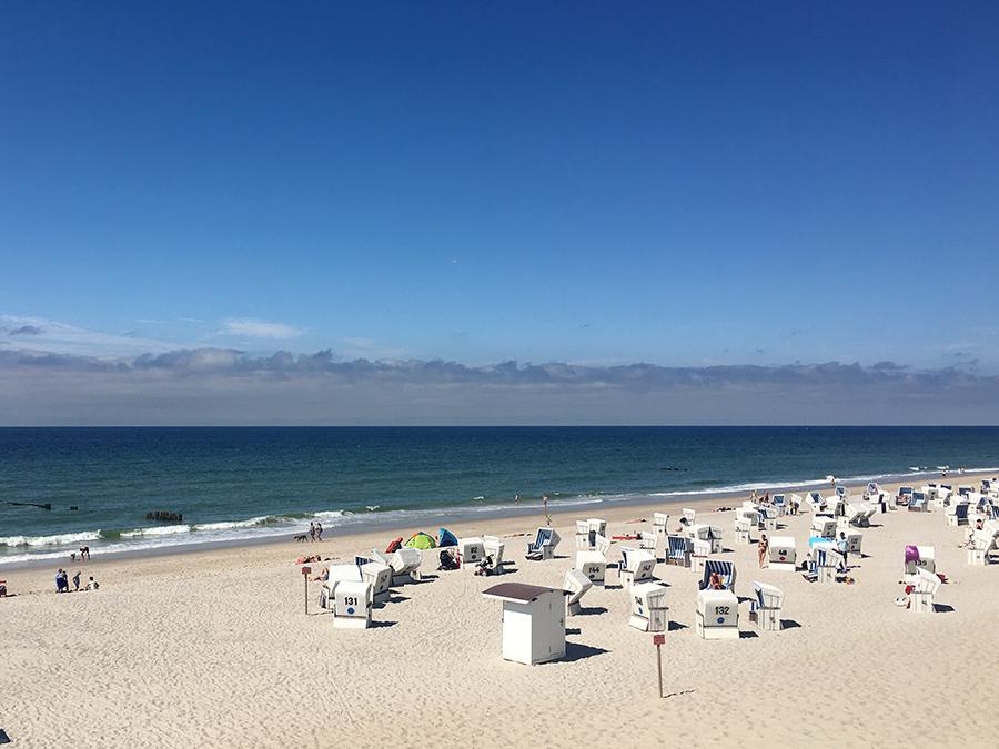 Und da ist er: Der Strand von Kampen. Hochsaison, und trotzdem ruhig und beschaulich.