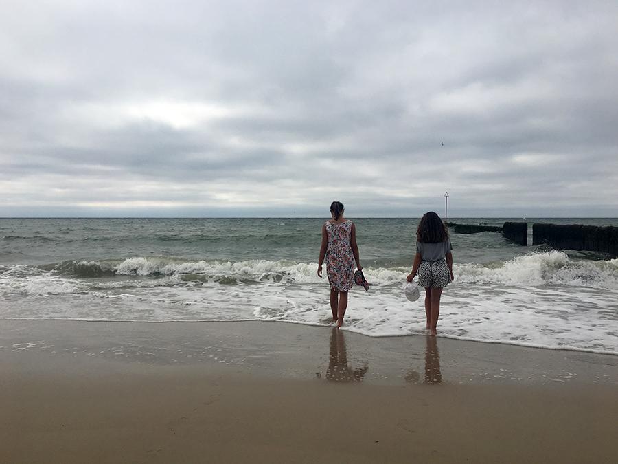 Spaziergang barfuß an der Nordsee.