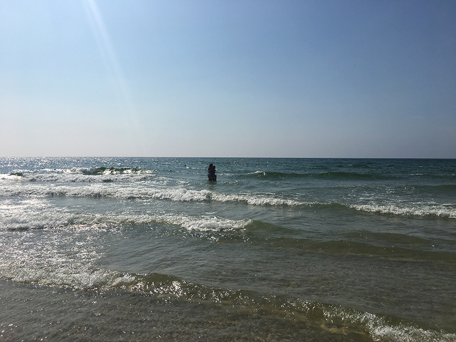 Strand und Meer in List in der Hauptsaison. Okay, okay - um uns herum, außerhalb des Fotos, sind schon noch Menschen, aber es gibt mehr als genug Platz für alle. Traumhaft ist es hier!