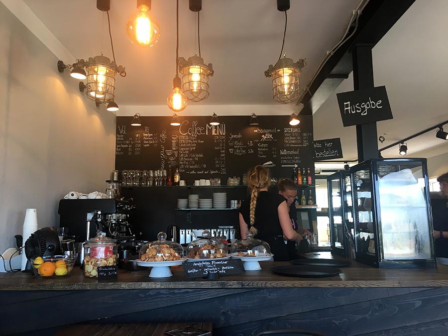 Die gemütliche 'Kaffeerösterei Sylt' im Rantumer Hafen. Sehr empfehlenswert!