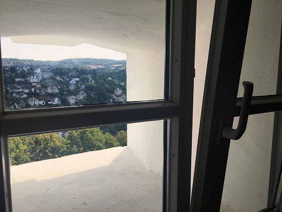 Was für Fenster! Das ist wirklich toll hier in der Jugendherberge!