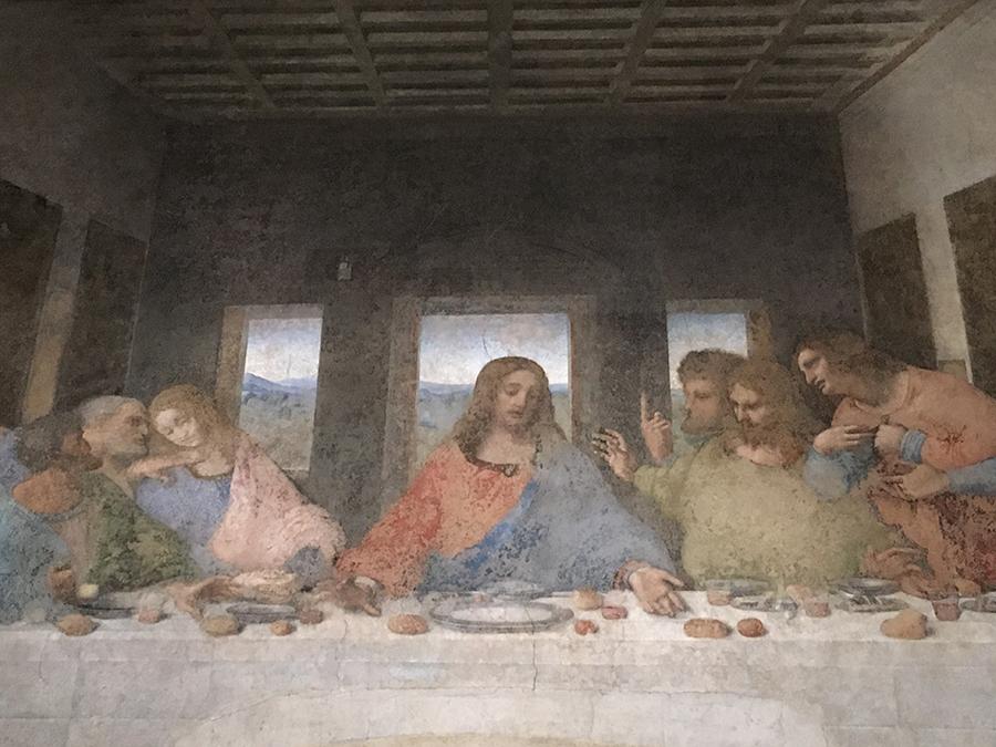 Die Farben verblasst, getrübt durch mehrere dilettantische Renovierungsversuche über die Jahrhunderte, aber ungebrochen beeindruckend: Da Vincis 'Cenacolo'.