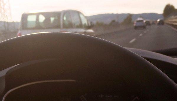 Auf italienischen Straßen unterwegs... werden wir natürlich zuerst von einem Multipla überholt.