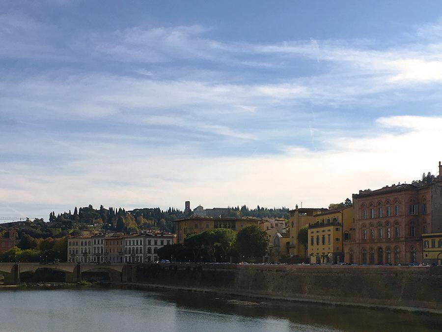 Wunderschön hier, am Ufer des Arno!