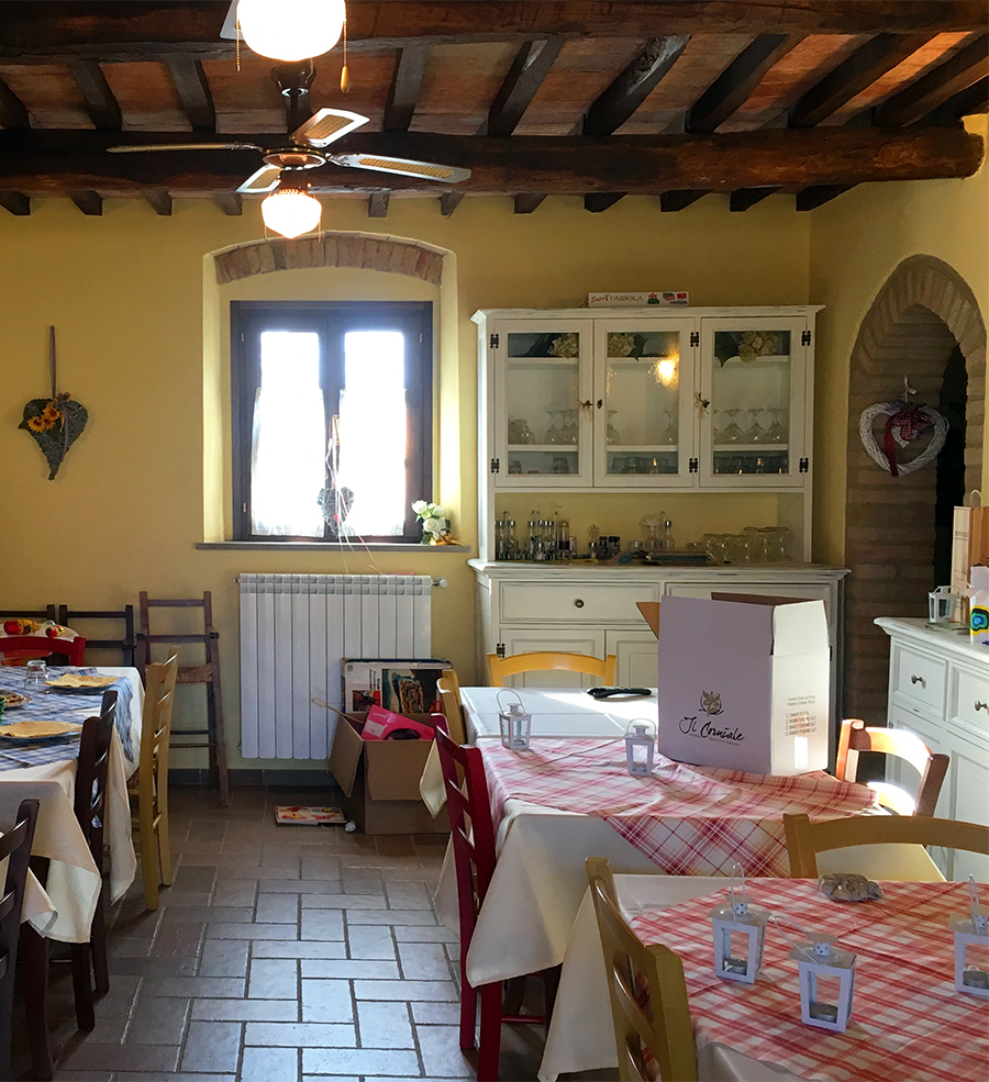 Im gemütlichen Essraum von 'Il Torrino': Hier gibt es Frühstück und Abendessen für die Gäste.