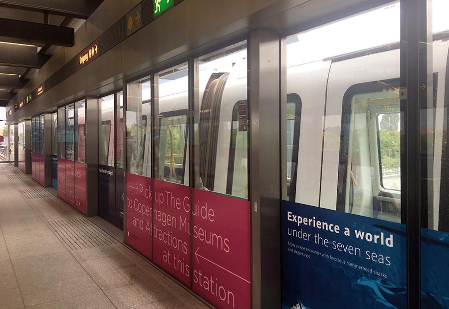 Sicherungssystem: Die Metro hält so an, dass sich die Türen vor den dann geöffneten Elementen befinden.