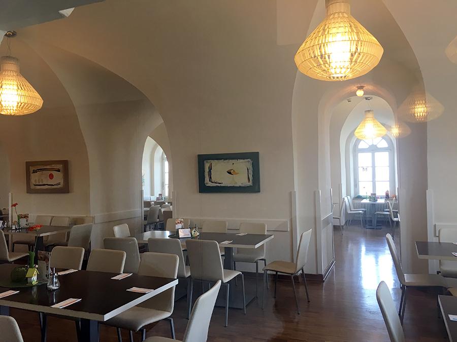 Der Esssaal der Jugendherberge in der Festung Ehrenbreitstein - wow!