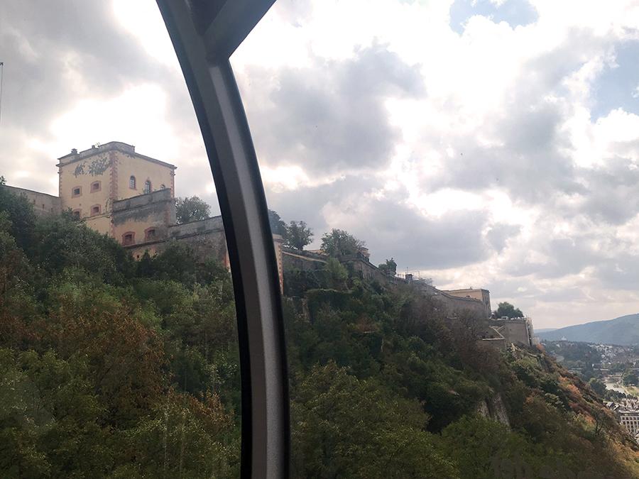 Ein letztes Mal zurückschauen hoch zur Festung Ehrenbreitstein.