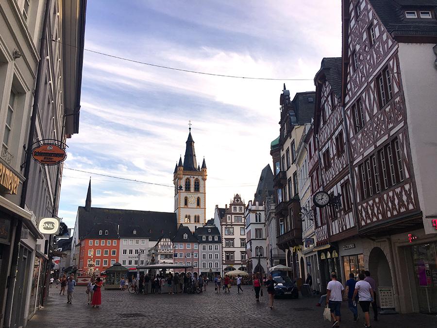 Die Fussgängerzone in Trier.