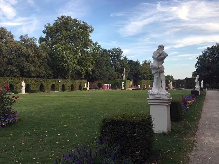 Die Palastgärten vor dem Kurfürstlichen Palais.