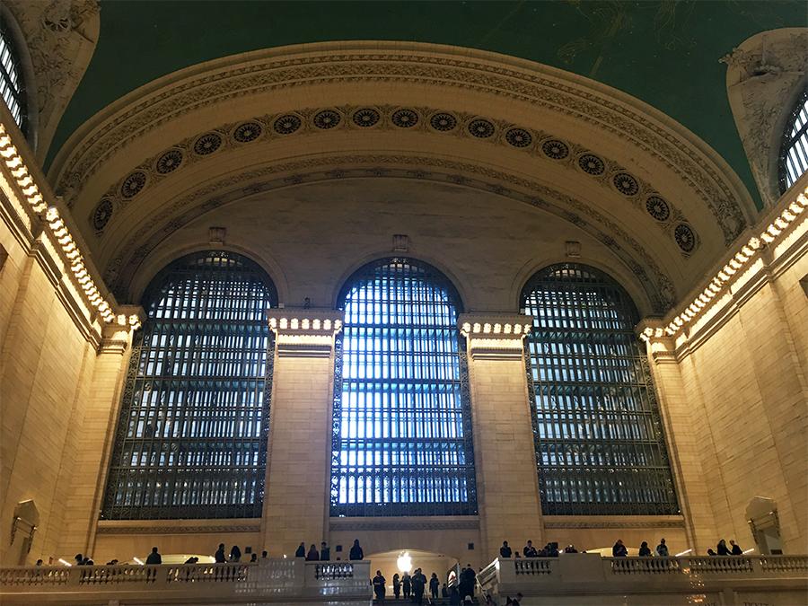 Der Apple Store am Ende der einen Seite der Grand Central Station.