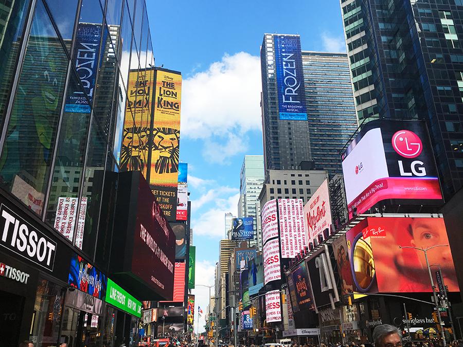 Blick gen Süden vom Times Square her.