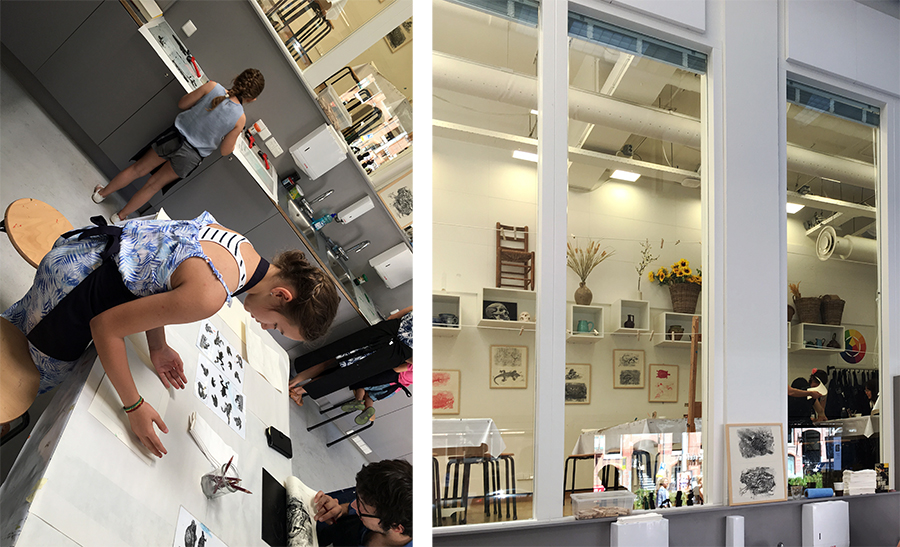 Beim Herstellen eigener Monoprints im Museums-Workshop.