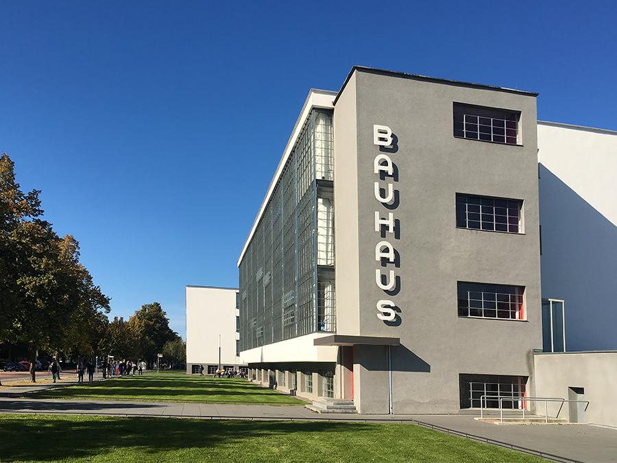 Das berühmte Bauhaus-Gebäude in Dessau.