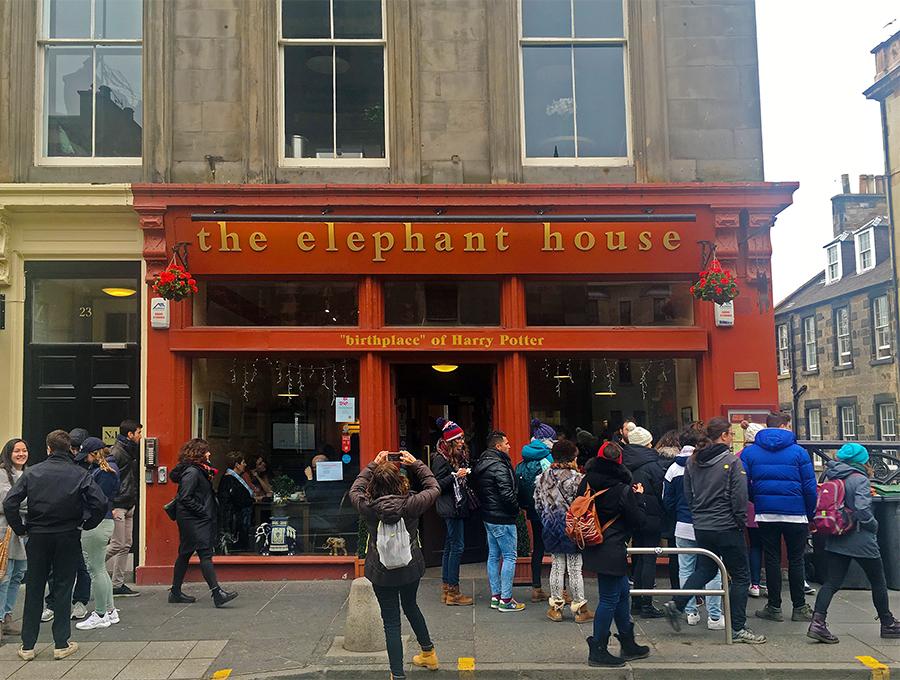 Das 'Elephant House', der 'Geburtsort von Harry Potter', wie das Café sich selbst bezeichnet.