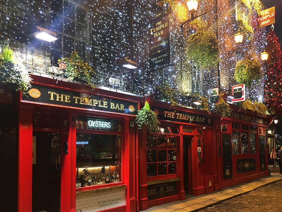Die 'Temple Bar', eigentlich nur eine von vielen Bars hier. Cleverer Schachzug des Inhabers, sie direkt wie das ganze Viertel zu benennen.