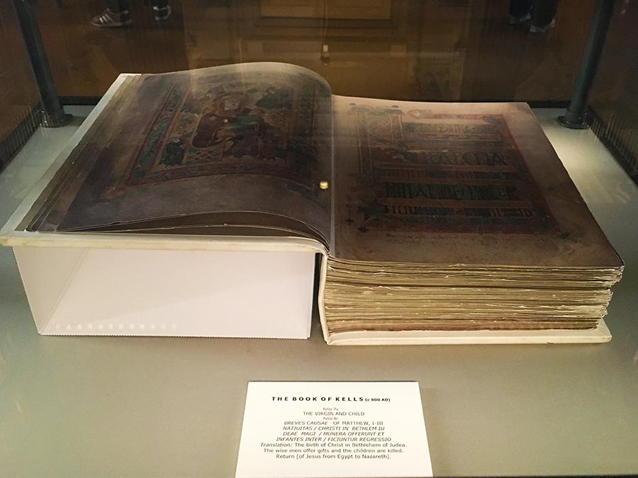 Da ist es - das 'Book of Kells' (oder zumindest die Replik)!