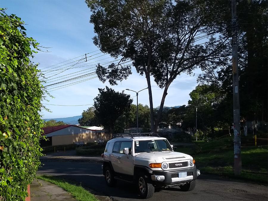 Typische Wohngegend mit Bungalows in San José in Costa Rica.