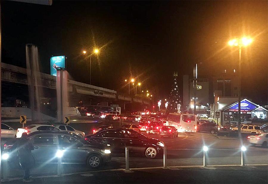 Rush Hour in San José: An diesem Kreisverkehr geht heute Abend erst einmal nichts mehr.