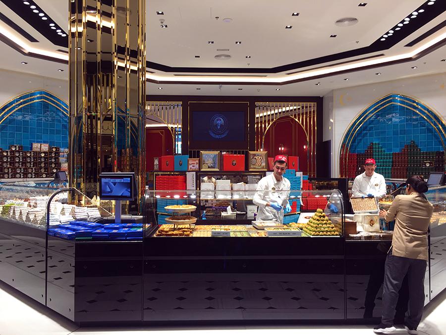 Wunderbar angerichtet werden hier frisch die feinsten, orientalischen Köstlichkeiten präsentiert!
