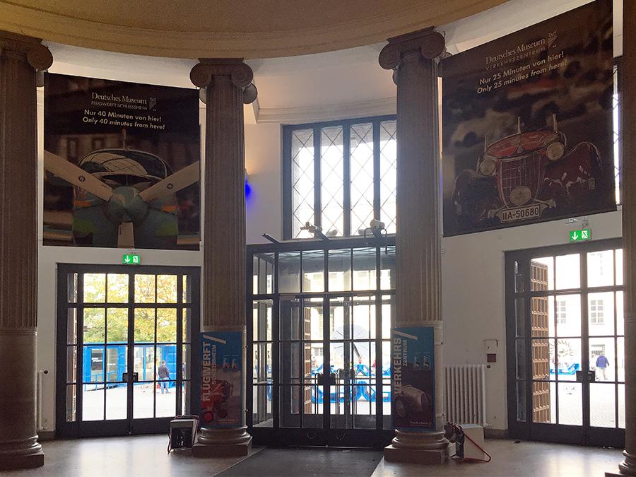 Die imposante Eingangshalle des Baus aus den 1900-20er Jahren.