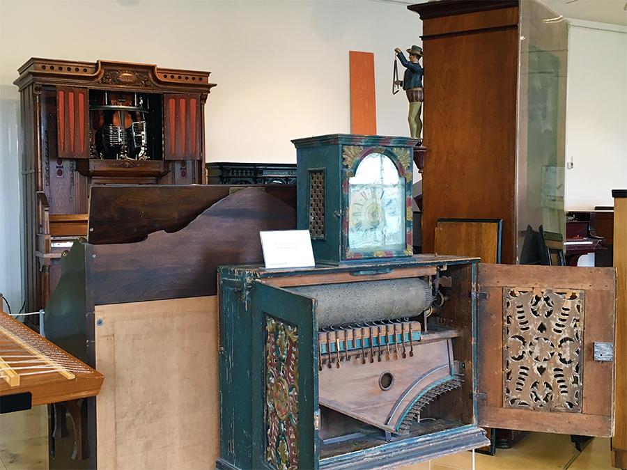 Jede Menge Musikautomaten und Orgeln, wie viel Arbeit da drinsteckt!