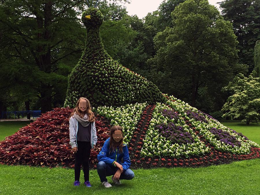 Markenzeichen von Bad Krozingen sind die wirklich beeindruckenden Blumenkunstwerke im Stadtpark.