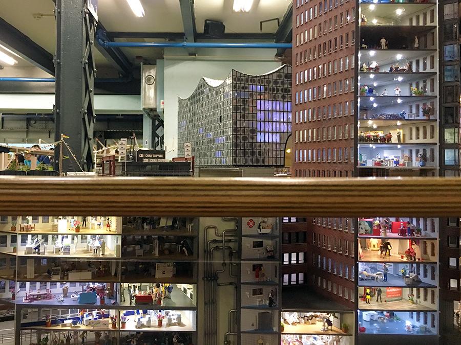Einblicke in alle Einzelheiten der Elbphilharmonie und viele, viele andere Bauwerke...
