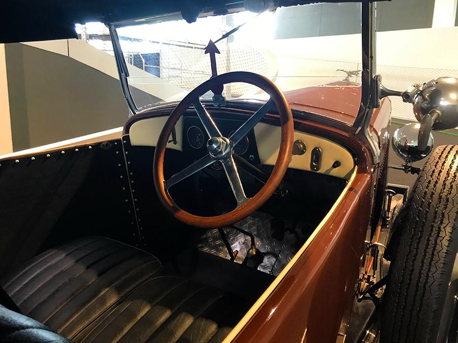 Mal einen Blick in so alte Autos zu werfen ist schon cool!