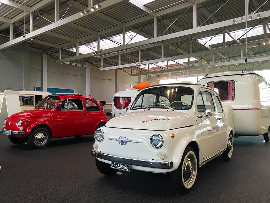 Diese kleinen Mini-Autos zogen in den 50er und 60er Jahren tatsächlich auch noch passende kleine Wohnmobile hinter sich her!
