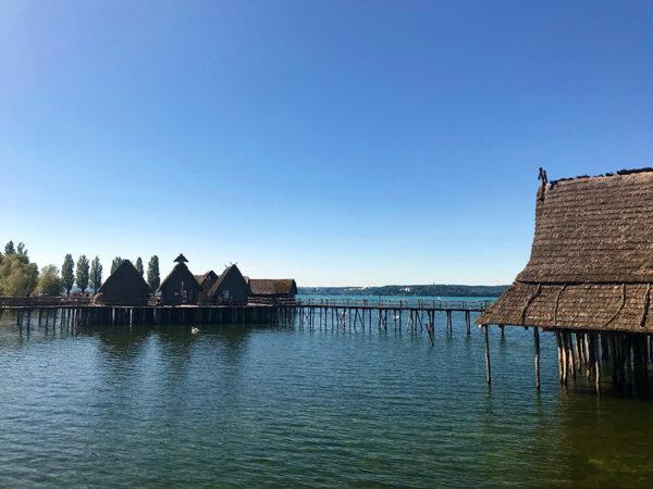 Die Pfahlbauten von Unteruhldingen am Bodensee - faszinierendes Freilichtmuseum und UNESCO-Wektkulturerbe