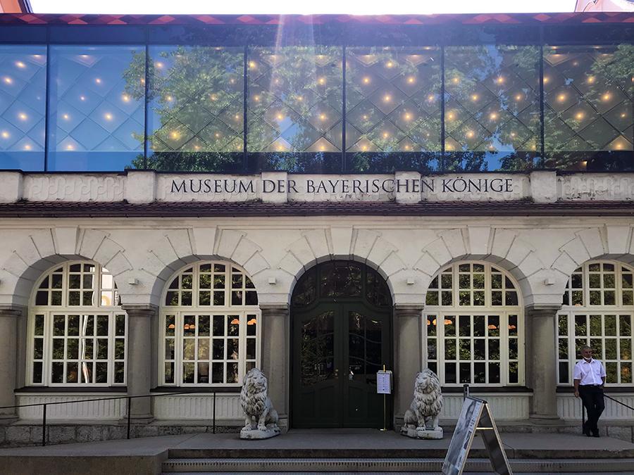 """Der Eingang zum """"Museum der bayerischen Könige"""": alles modern und ansprechend aufbereitet und einen Besuch wert!"""