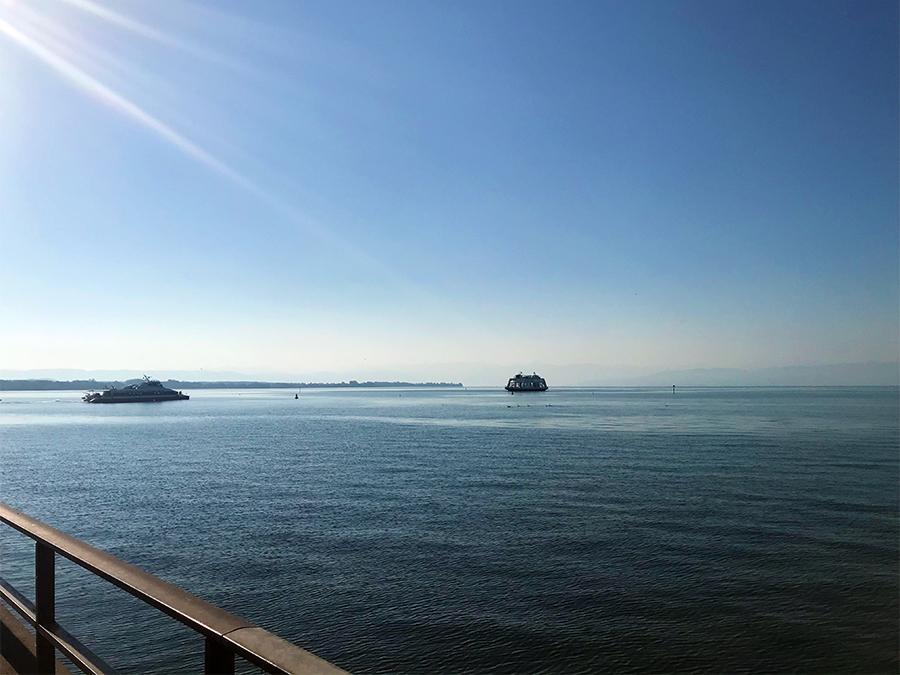Mit der Fähre, mit dem Katamaran oder mit Ausflugsschiffen... auf dem Bodensee wird viel geboten.