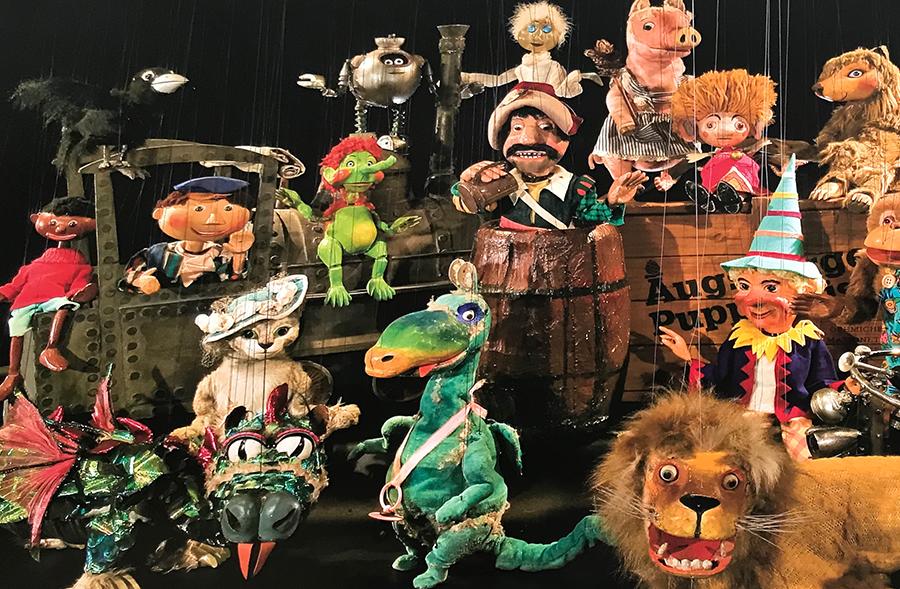 Einige der Protagonisten der vielen Geschichten, die die Augsburger Puppenkiste bereits aufführte.