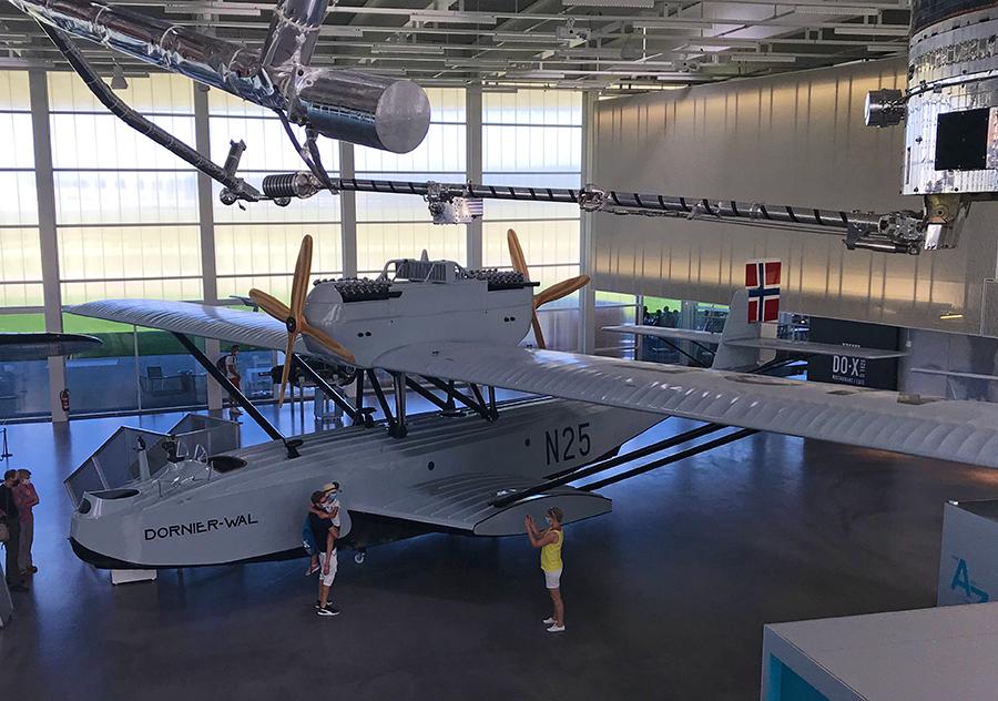 """Das Flugzeug """"Dornier Wal"""" ist ein legendäres Flugboot, mit dem z.B. auch der Polarforscher Roald Asmussen 1925 zum Nordpol aufbrach."""