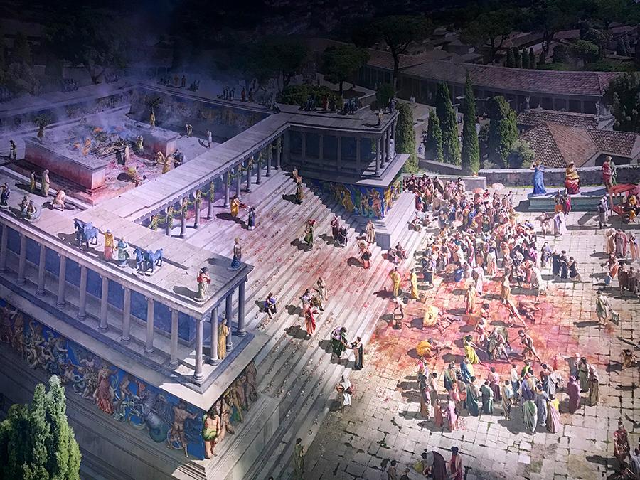 Der Pergamon-Altar in Action: Tagsüber bringen zahlreiche Menschen Tieropfer dar, um die Götter gnädig zu stimmen.