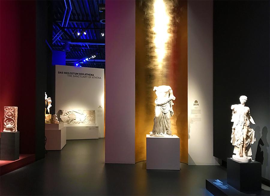 Alle diese Statuen schmückten vor unvorstellbar langer Zeit den Pergamon-Tempel.
